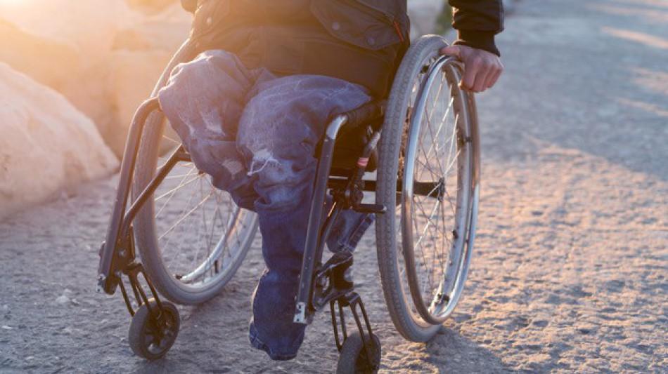 accesorios imprescindibles para sillas de ruedas