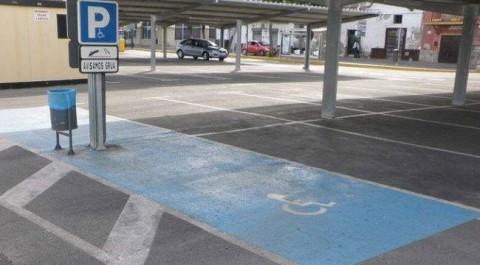 León llança campanya per a ús responsable de targetes aparcament responsable mobilitat reduïda