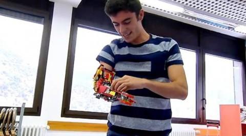 braç articulat amb peces de Lego