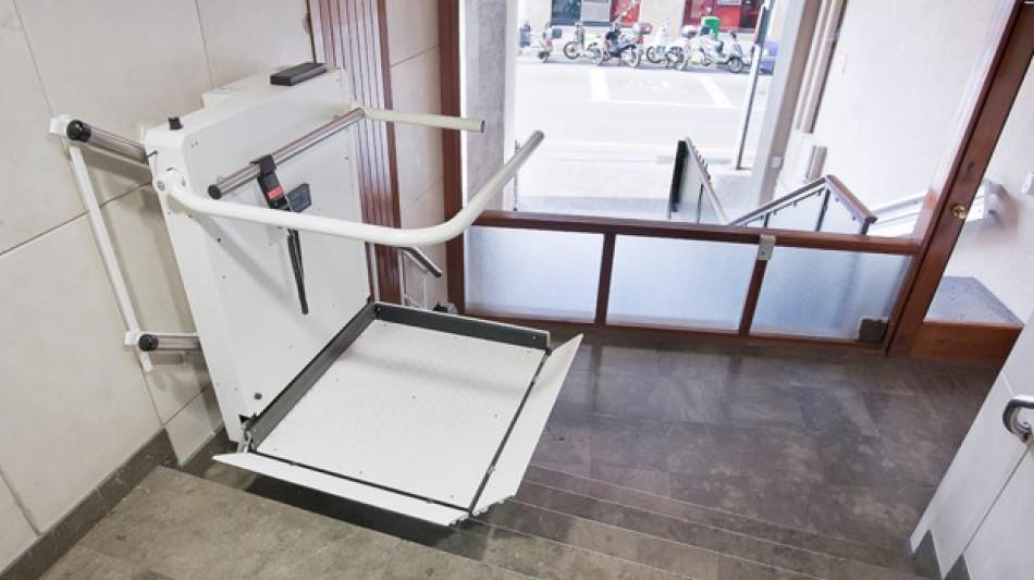 plataformes elevadores minusvàlids a barcelona