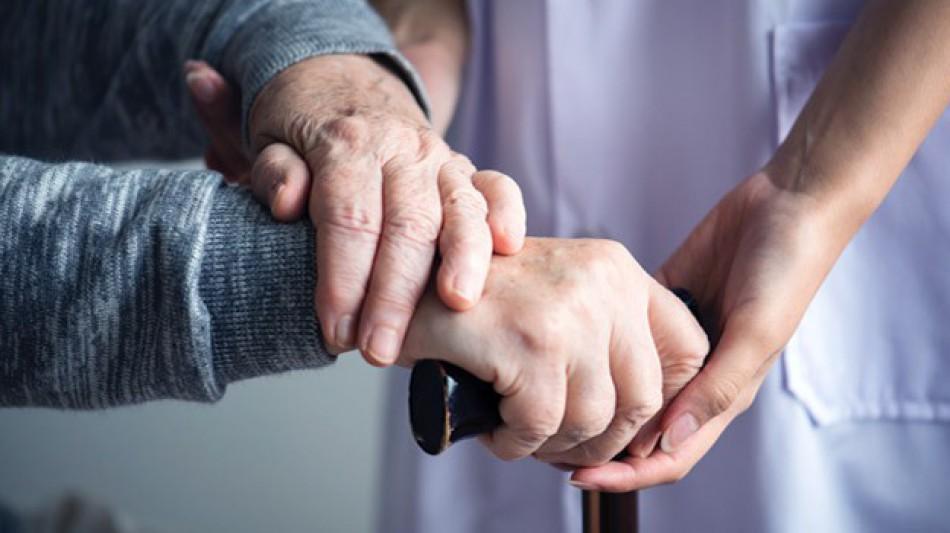 ¿Qué cuidados necesitan las personas mayores o ancianos?