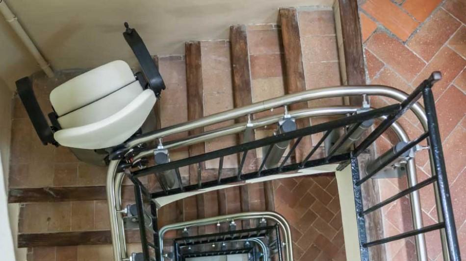 Sillas elevadoras salvaescaleras de segunda mano