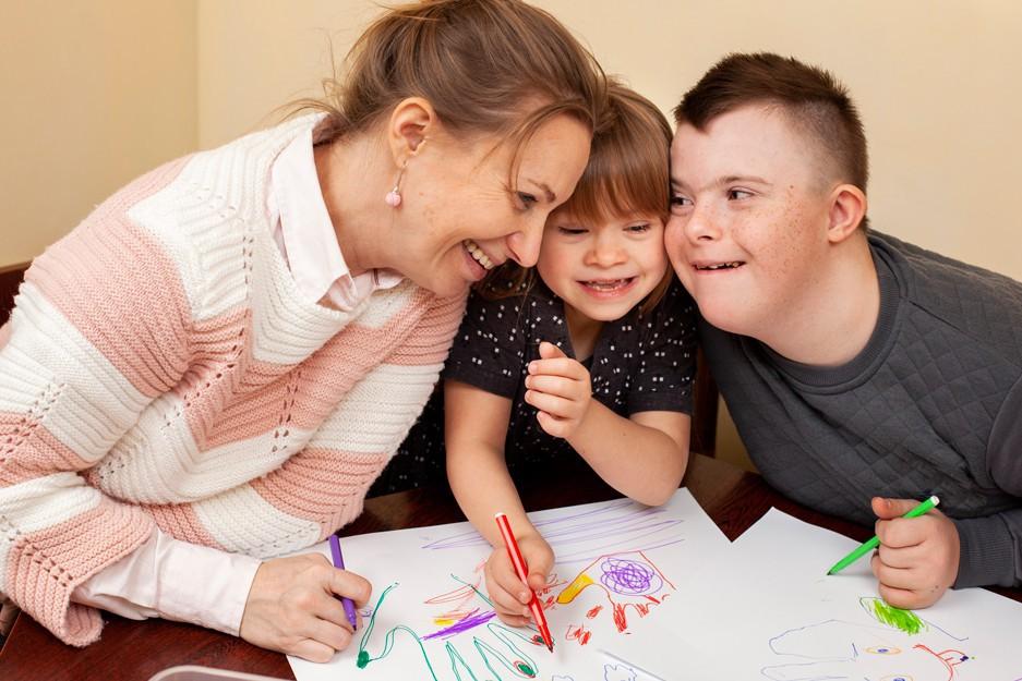 """""""síndrome-down-ayudas-beneficios-niños-discapacidad-prestaciones-economicas-madres"""""""