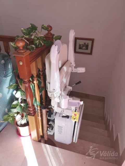 Cadira salvaescales SOCIUS instal·lada a casa particular d'Alcañiz a Teruel
