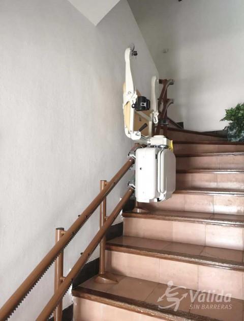 cadira per a salvar trams d'escala corbs a casa particular d'Altea