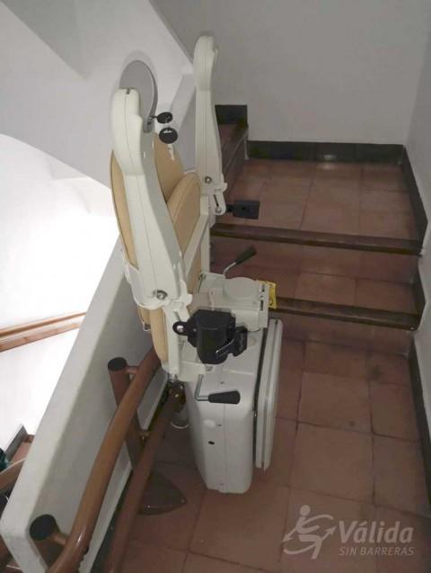 instal·lar cadira salvaescales per a pujar i baixar escales a Altea, Alicante
