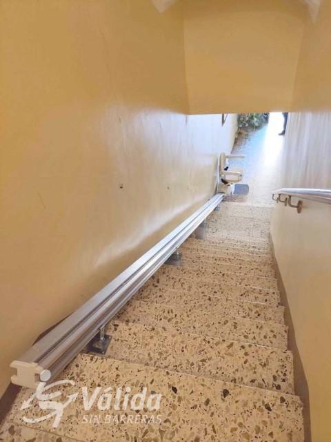 instal·lar una ajuda salva escales per persones amb mobilitat reduïda