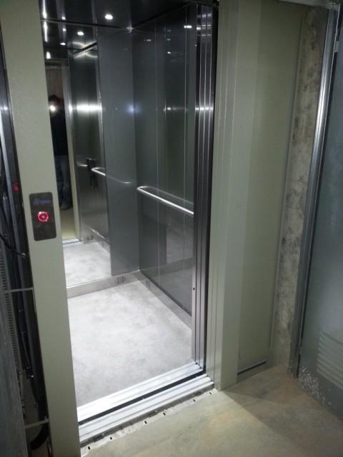 ascensor domestic hidraulic a girona ogassa