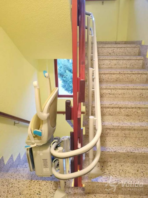 Solució per la elevació de les persones amb discapacitat a Cabezón de la Sal