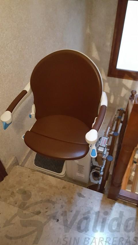 cadira elevadora socius amb seient smart muntada a cubelles