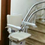 ajuda per pujar i baixar escales a reus tarragona amb doble carril