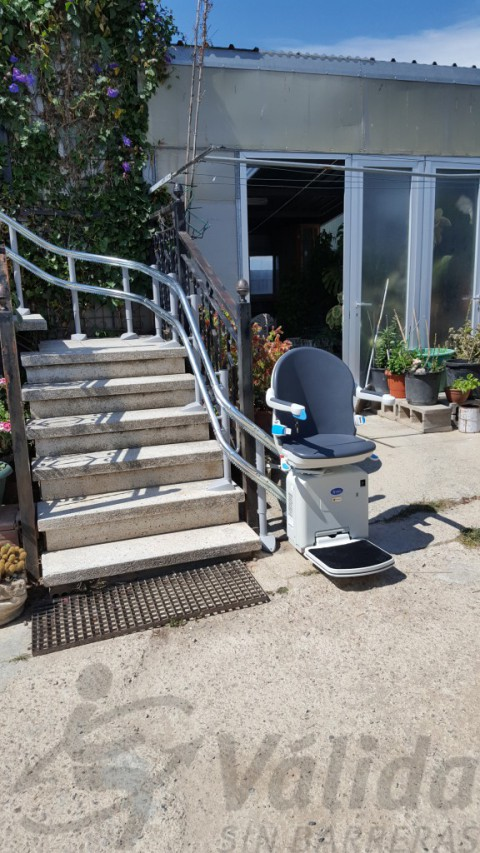 cadira salvaescales muntada exterior casa far emporda