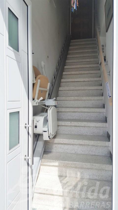 Cadira pujar i baixar escales Vidreres elevació casa Girona