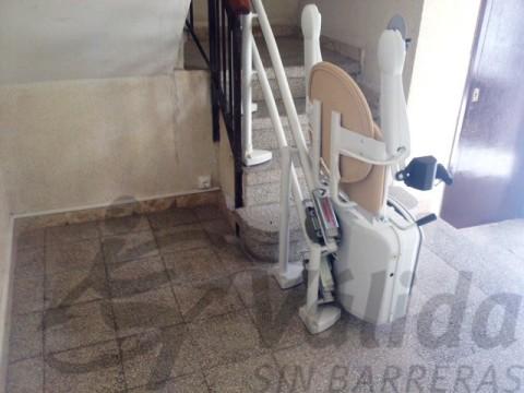 cadira socius muntada per valida sin barreras amb seient simplicity a reus