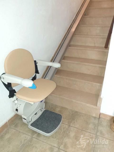 cadira pujaescales FIDUS instal·lada a casa particular de Cazorla, Jaén