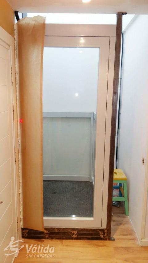 instal·lació d'elevador de curt recorregut a Boadilla del Monte, Madrid