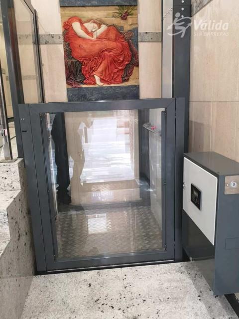 Pujar i baixar recorreguts curts amb un elevador de Válida sin barreras a Astúries