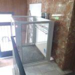 elevador de curt recorregut instal·lat a comunitat de veïns de Madrid