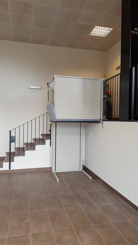 elevador per altells a prullans lleida