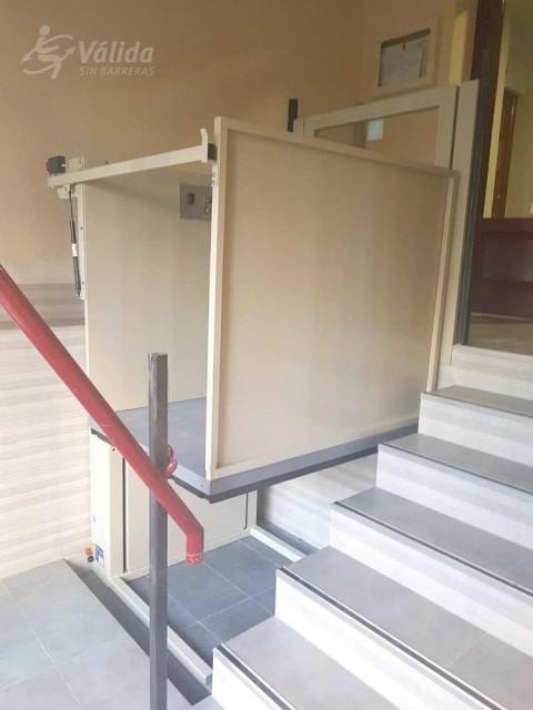 suprimir les barreres arquitectòniques amb un mini elevador de Válida sin barreras