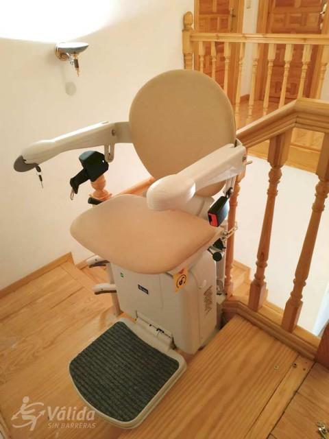 Cadira salvaescales SOCIUS instal·lada a casa particular de Espeja de San Marcelino en Soria