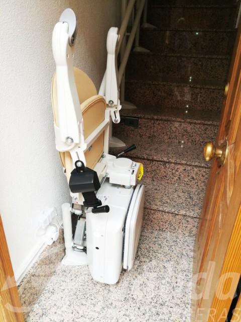 Cadira pujaescales Socius amb Simplicity a Murcia, Blanca