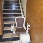 Millorar l'autonomia i seguretat amb una cadira pujaescales a Llançà