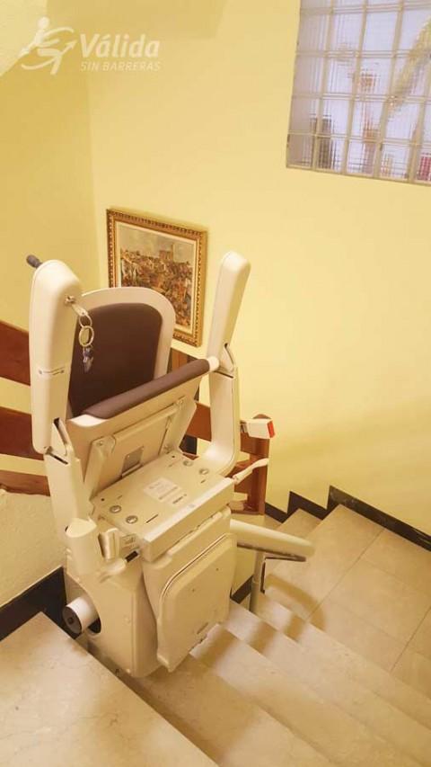 Cadira salvaescales UNUM instal·lada a casa particular de Llançà a Girona