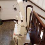 cadira salvaescales per a millorar l'accessibilitat a Huesca