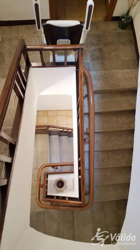 cadira pujaescales instal·lada a casa particular de Campo, a Huesca