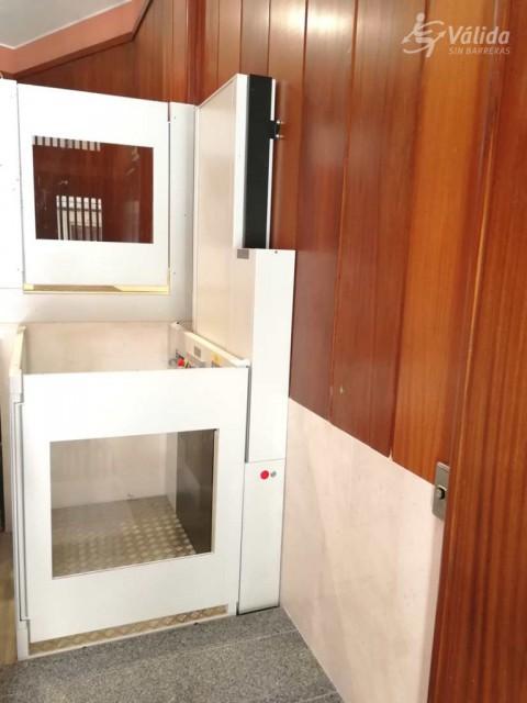 elevador de curt recorregut instal·lat a comunitat de veïns de Valladolid