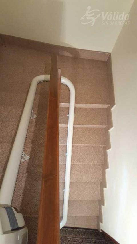 Superar les barreres arquitectòniques de l'entorn amb una cadira elevadora a Lerín