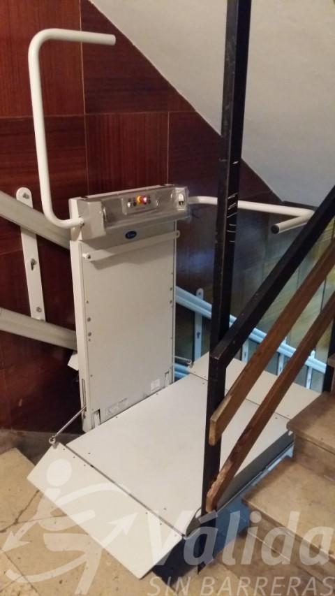 Pujaescales elevador plataforma Spatium de Válida per a escales rectes