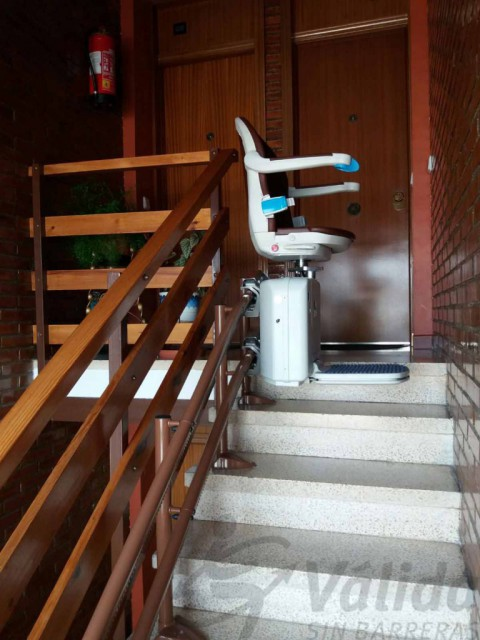 cadira per escales corbes a comunitat veins marro madrid centre