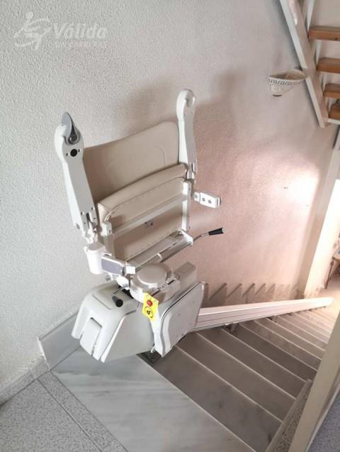 cadira pujaescales per millorar l'accessibilitat i la seguretat a Múrcia