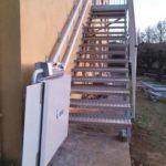Salvar un tram d'escales recte amb una plataforma salvaescales a Olot