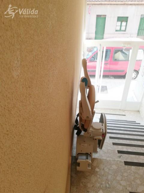 cadira salvaescales instalada en interior de comunitat de veïns de Palencia