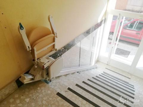 cadira salvaescales per a persones amb discapacitat o d'avançada edat