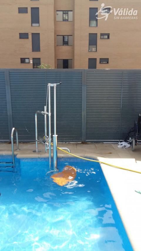 Elevador per a piscines instal·lat a Madrid