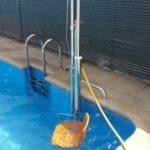 elevador per facilitar l'accés a les piscines a les persones amb mobilitat reduïda