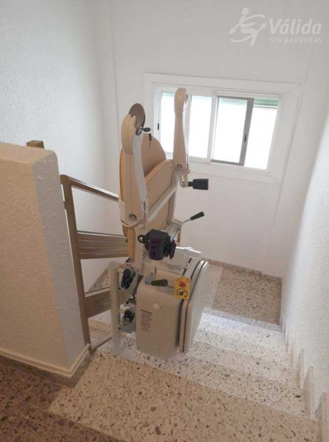cadira salvaescales SOCIUS per salvar trams d'escala corbs a València
