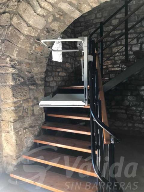 plataforma salvaescales muntcaràrregues cadira rodes viver i serrateix barcelona