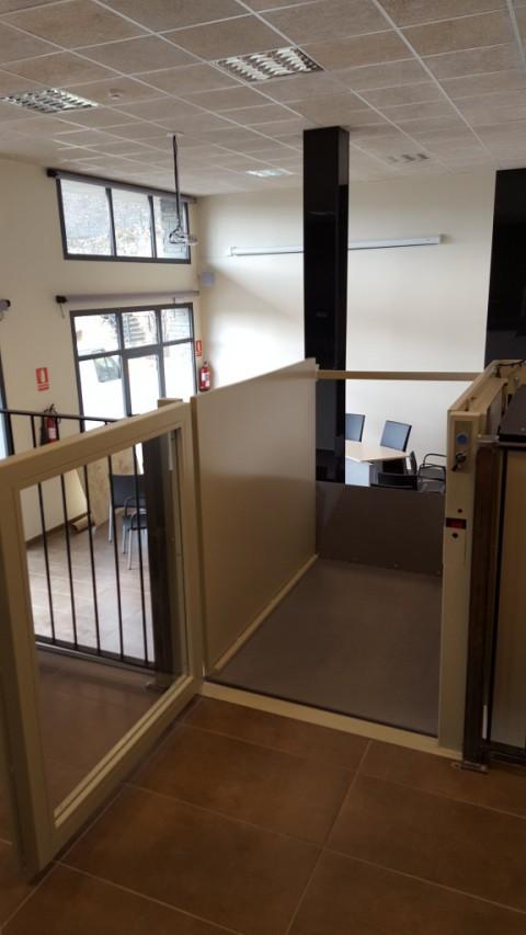 millorar accesibilitat en edifici public de prullans lleida