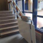 Plataforma salvaescales Spatium per persones amb cadira de rodes a Badalona