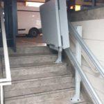 sistema d'elevació per persones amb discapacitat a interior de comunitat de propietaris