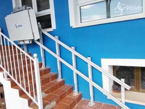 plataforma pujaescales per persones en cadira de rodes o discapacitat