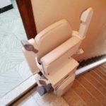 cadira pujaescales per trams d'escala rectes instal·lada a Valencia