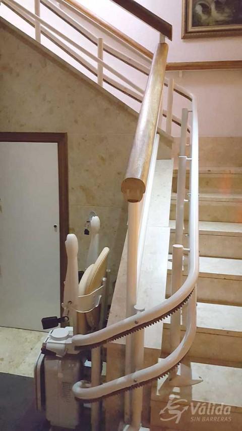 Pujar i baixar escales amb una solució econòmica i segura con Válida sin barreras