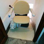 cadira pujaescales per trams d'escala rectes instal·lada a Villena