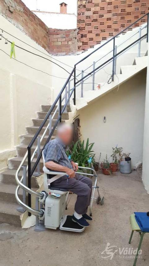 suprimir les barreres arquitectòniques a intempèrie amb una cadira pujaescales